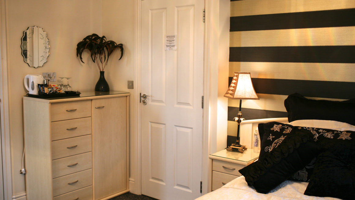 STRUMBLE Superior Room – King-Size Double Ensuite